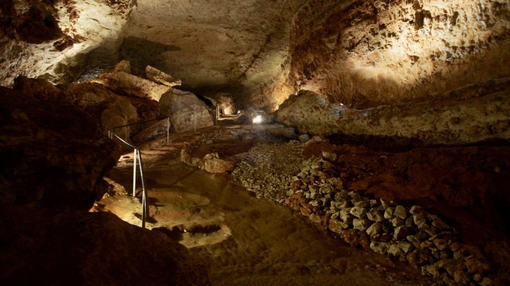 Caverne Bara-Bahau